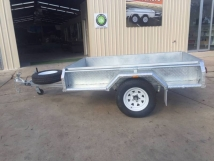 7x4 Box Trailer Side View